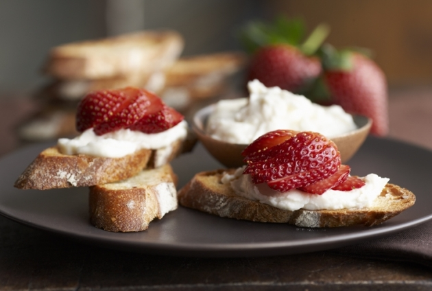 http://www.driscolls.com/recipes/view/2979/Goat-Cheese-and-Strawberry-Bruschetta