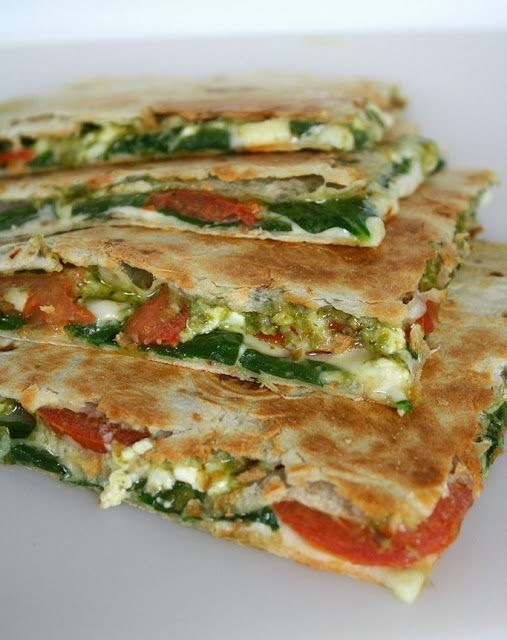 Spinach-Tomato-Quesadilla-with-Pesto