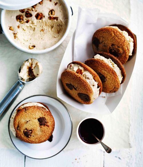 choc-chip-cookies-with-salted-peanut-semifreddo
